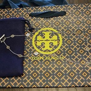 Tory burch logo toggle short necklace